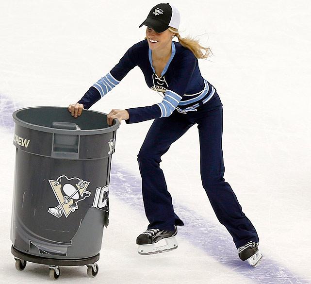 11 pittsburgh penguins ice girls - nhl ice girls and cheerleaders 2013