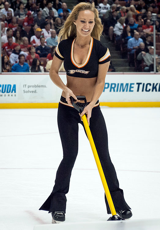 17 anaheim ducks power players - nhl ice girls and cheerleaders 2013