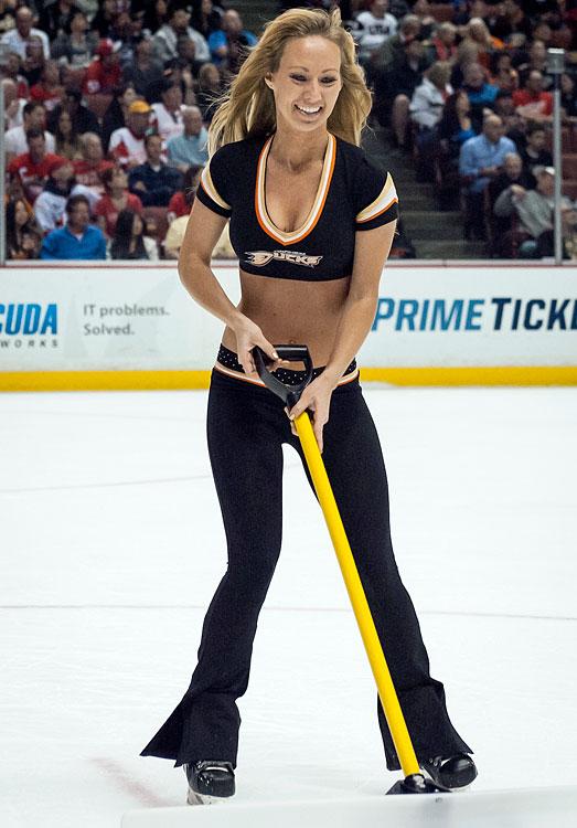 17 anaheim ducks power players - nhl ice girls and cheerleaders 2013