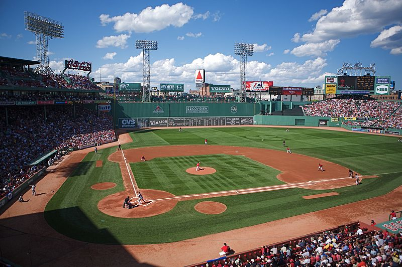 Fenway-Park-2-best-MLB-stadiums-2013