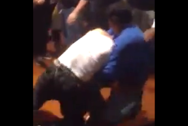 fan fight lakers spurs game