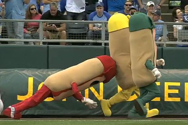 hot dog falls down at royals game