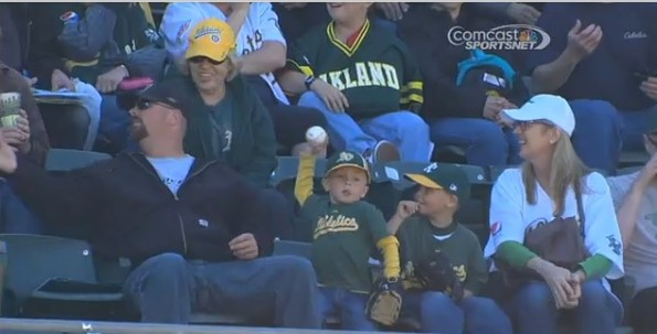 oakland a's kid throw back ball