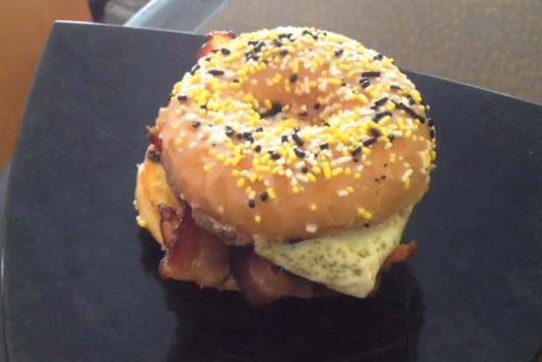 pirates brunch burger (bagon cheeseburger with donus bun)