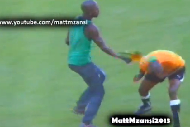 south african soccer fan attacks referee with vuvuzela