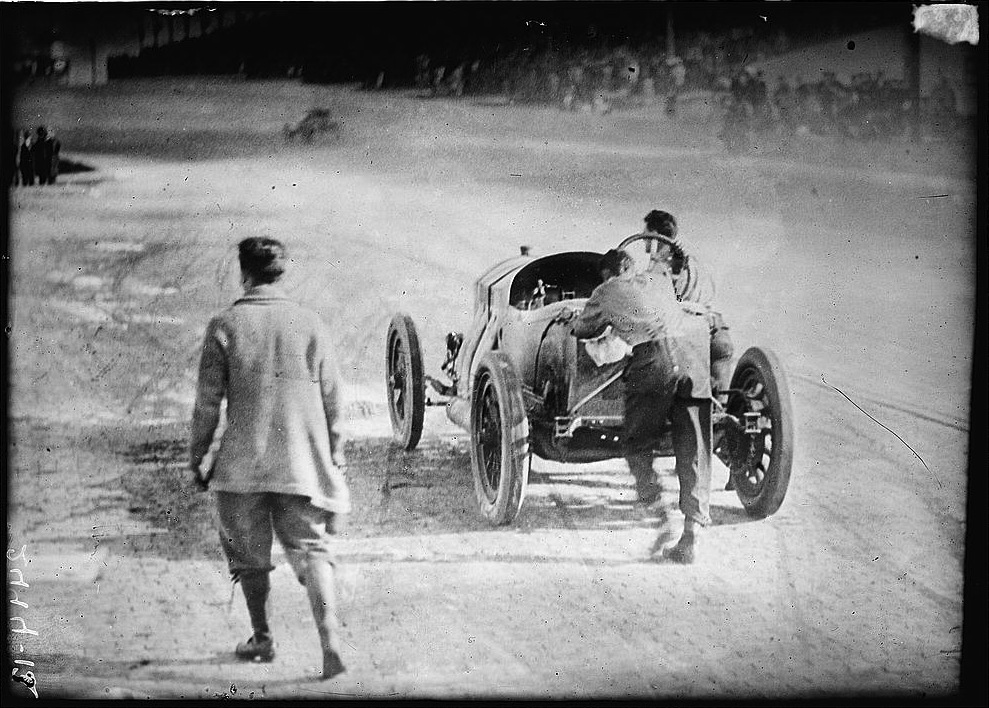 9 ralph depalma pushes car over finish line 1912 indianapolis 500 - greatest moments in indy 500 history