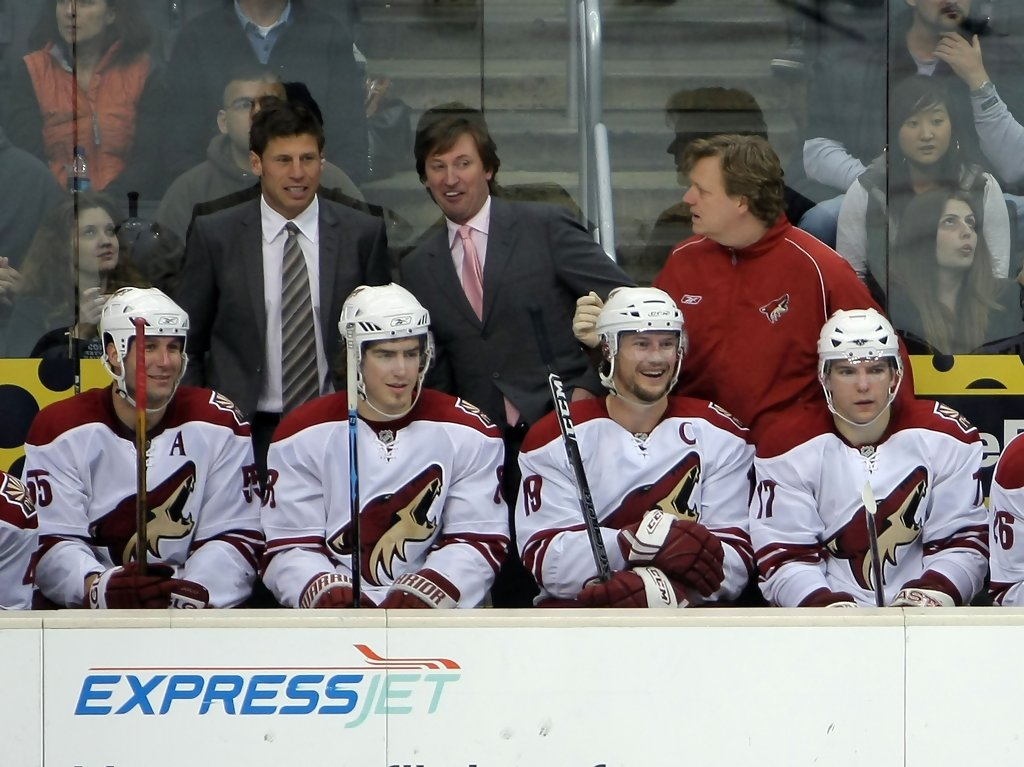 9 wayne gretzky coyotes coach - hall of fame players who coaches nhl teams