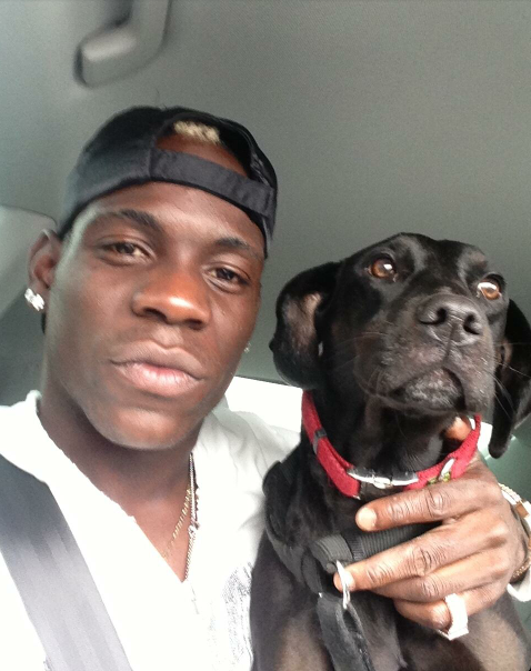 balotelli and his dog
