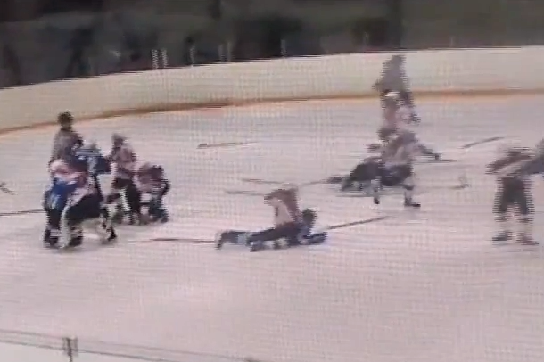 epic russian youth hockey fight