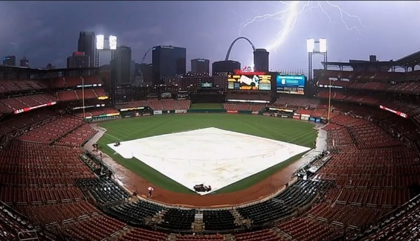 Total Pro Sports Lightning Strikes Gateway Arch During