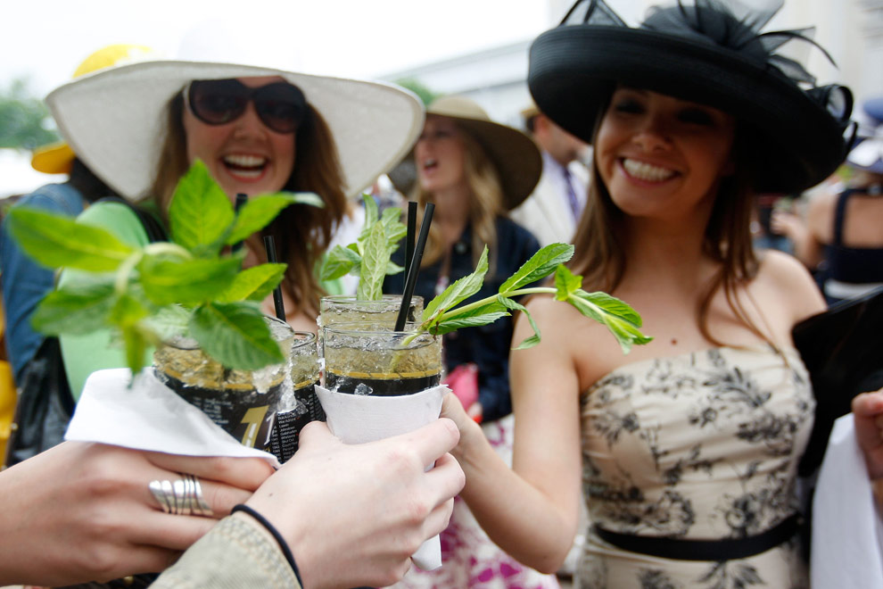 mint juleps at the kentucky derby