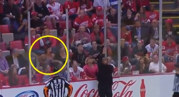 red wings fan juggle boobs