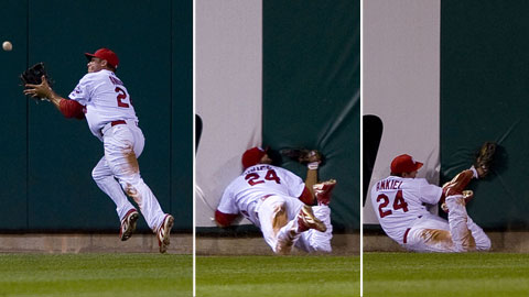 rick ankiel collides with wall