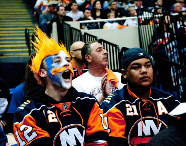 12 islanders fans playoffs - crazy nhl fans stanley cup playoffs