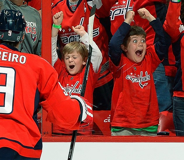 15 happy capitals kid - crazy nhl fans stanley cup playoffs