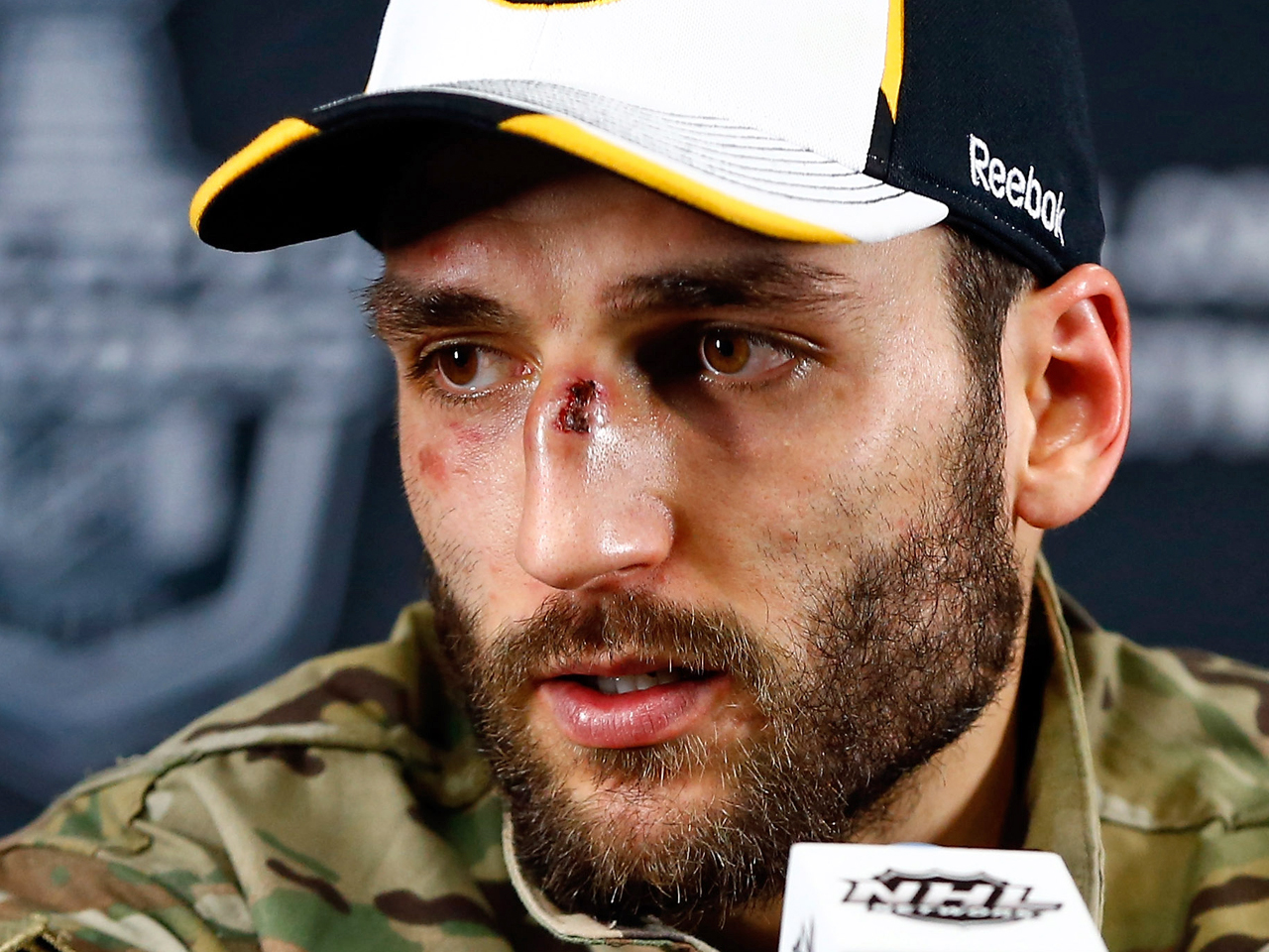 16-patrice-bergeron-2013-NHL-Playoff-Beards
