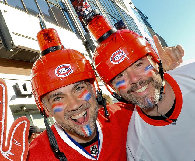 17 canadiens fans goal light helmets - crazy nhl fans stanley cup playoffs