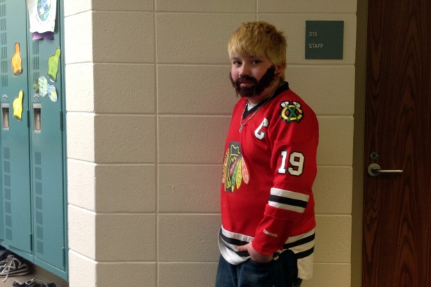 5 fake beard blackhawks kid - crazy nhl fans stanley cup playoffs