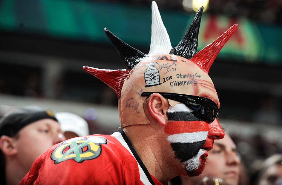 6 scary blackhawks fan mohawk - crazy nhl fans stanley cup playoffs