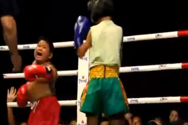 6-year-old muay thai fighter crying