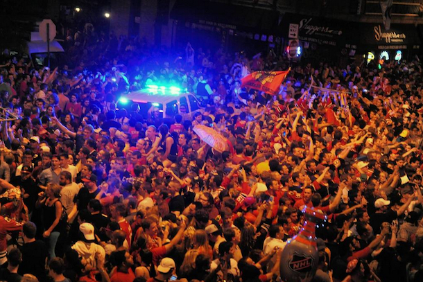 blackhawks celebration wrigleyville