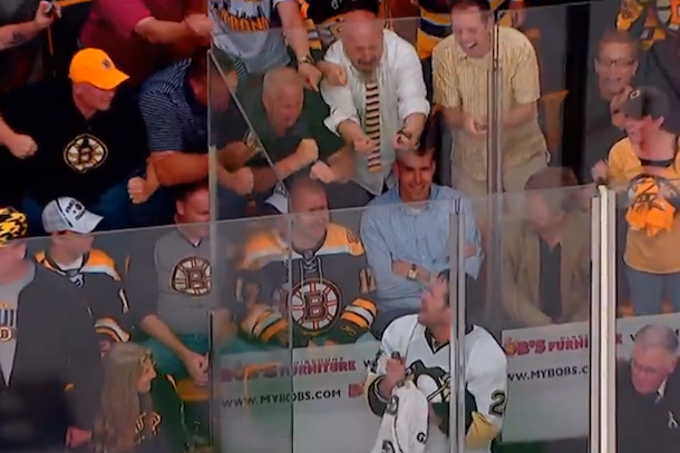bruins fans berate matt cooke in penalty box