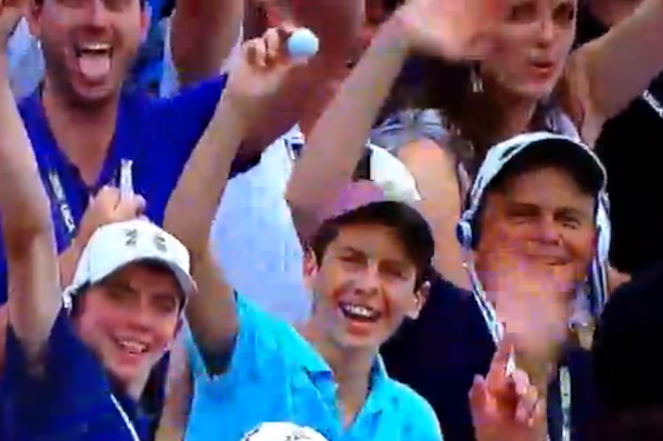 golf spectator catches ball u.s. open