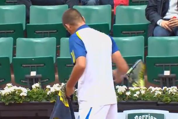 mikhail youzhny smashes racket at french open