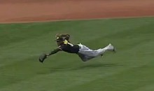 Pirates Left Fielder Starling Marte Makes Ridiculous Grab to Rob Brandon Phillips of Extra Bases (Video)