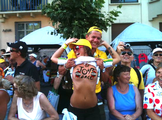 1 flasher - crazy tour de france fans