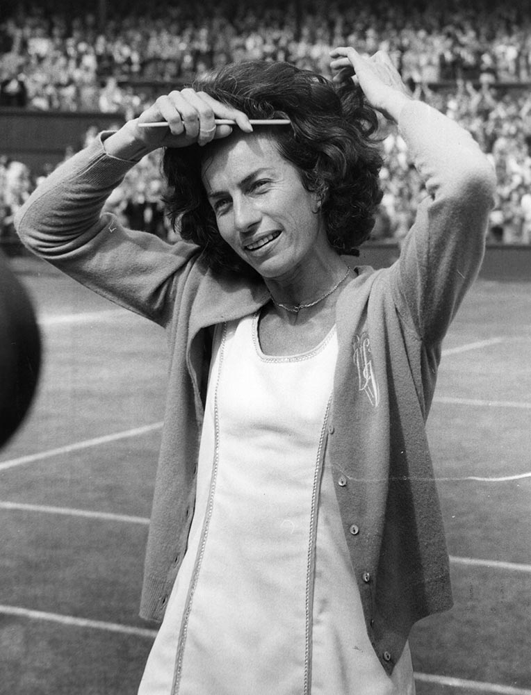 17 virginia wade 1977 - wimbledon fashion icons