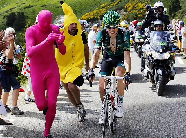 18 crazy tour de france fans in banana suit