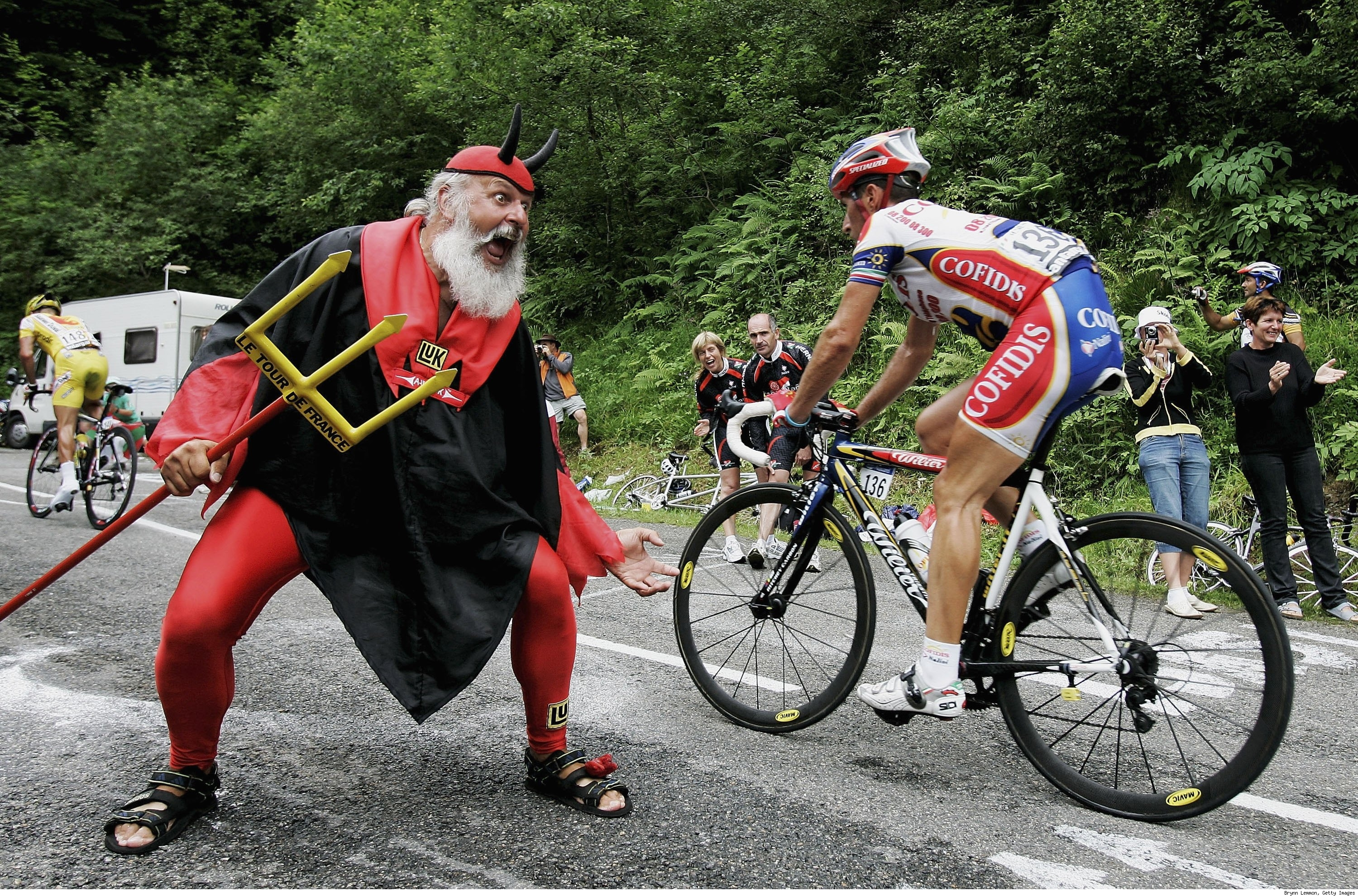 8 devil guy - crazy tour de france fans
