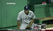 Check Out This GIF of Mariano Rivera Scratching Himself
