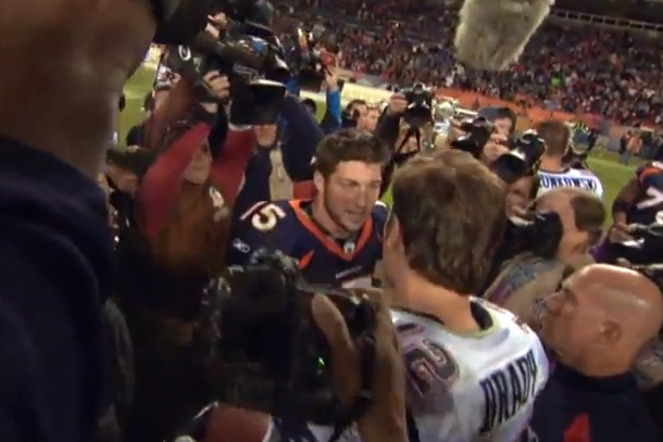 tebow and brady talk about aaron hernandez