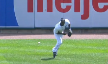 Tigers Fan Throws Back Home Run Ball, Almost Hits Center Fielder Torii Hunter (Video)