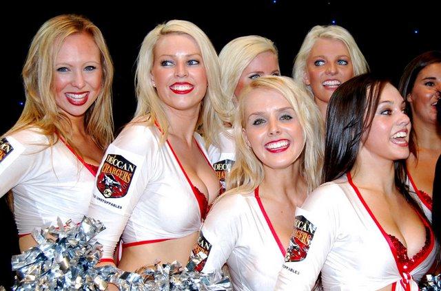 10 deccan chargers cheerleaders 2