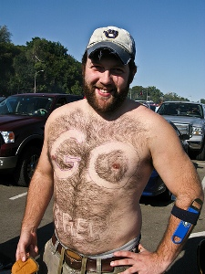 13 brewers fan - fans with signs shaved into their chest back hair