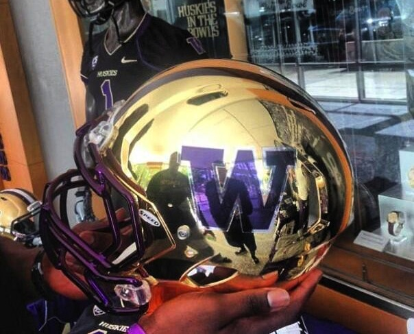 15 new washington huskies football helmets - 2013 college football helmets