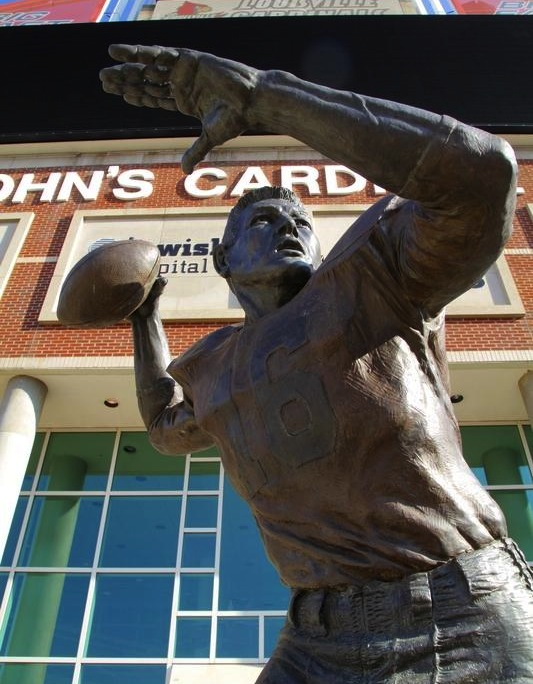 3 johnny unitas statue louisville - college football legends with their own statues