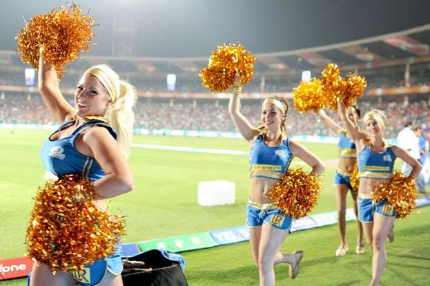 3 mumbai indians cheerleaders