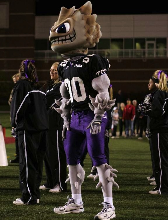 3 tcu horned frog mascot (super frog) - creepiest college football mascots