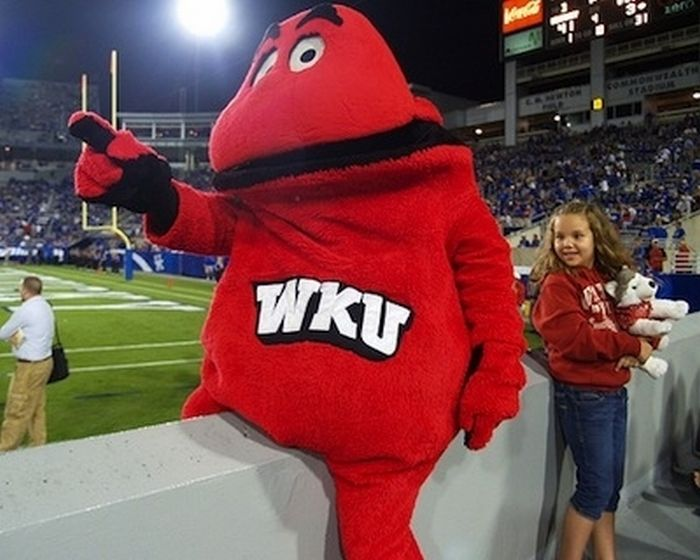 4 western kentucky hilltopers mascot - creepiest college football mascots