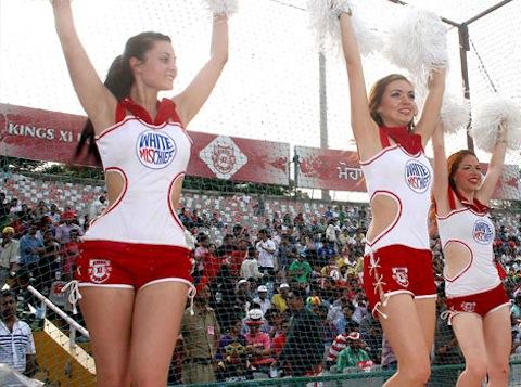 8-kings-xi-punjab-cheerleaders