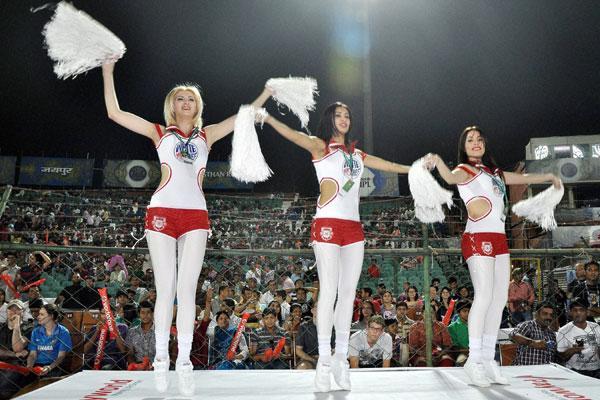 8 kings xi punjab cheerleaders 2