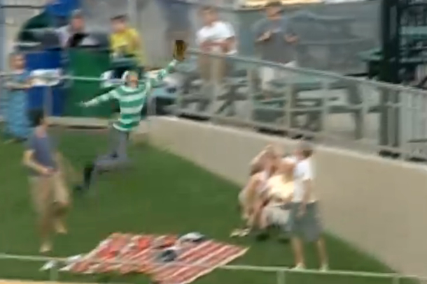 minor league baseball fan makes incredible catch