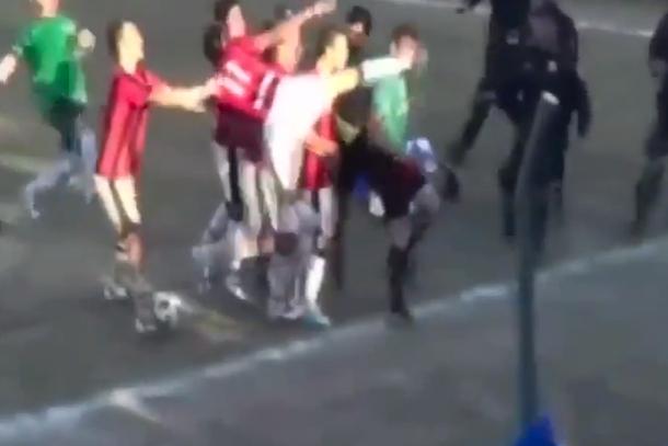 paraguayan soccer player kicks referee