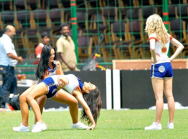 royal challengers cheerleaders 2