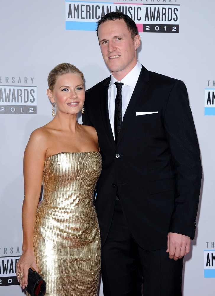 12 dion phaneuf (leafs) and elisha cuthbert - athlete celebrity couples