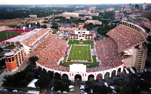 14 darrell k royal stadium (texas) - best college football stadiums
